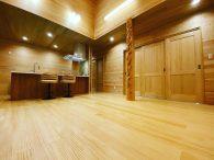 木と共に生きる家🏡(木造平屋建て)